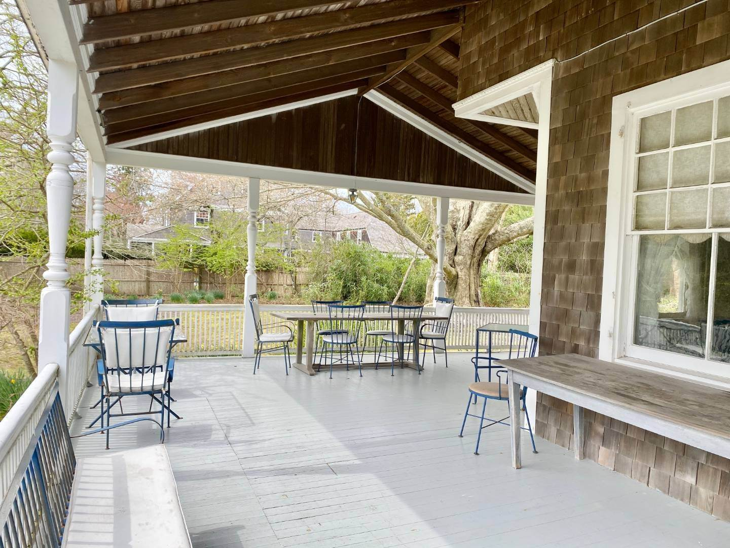 32. Single Family Home at East Hampton South Of The Highway Rental East Hampton, NY 11937