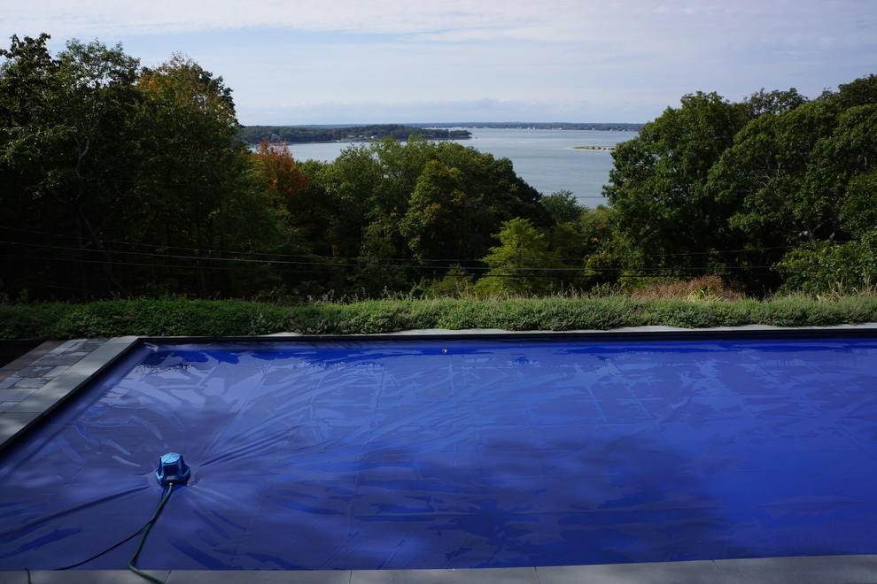 2. Single Family Home at Shelter Island Heights Home With Glorious Views Of The Sound Shelter Island Heights, NY 11964