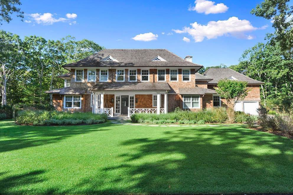 19. Single Family Home at Absolutely Stunning 169 Skimhampton Road, Amagansett, NY 11937