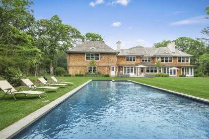 18. Single Family Home at Absolutely Stunning 169 Skimhampton Road, Amagansett, NY 11937