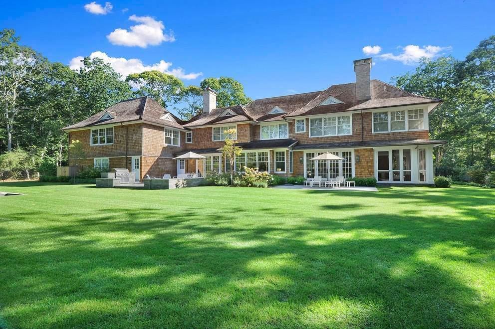 Single Family Home at Absolutely Stunning 169 Skimhampton Road, Amagansett, NY 11937
