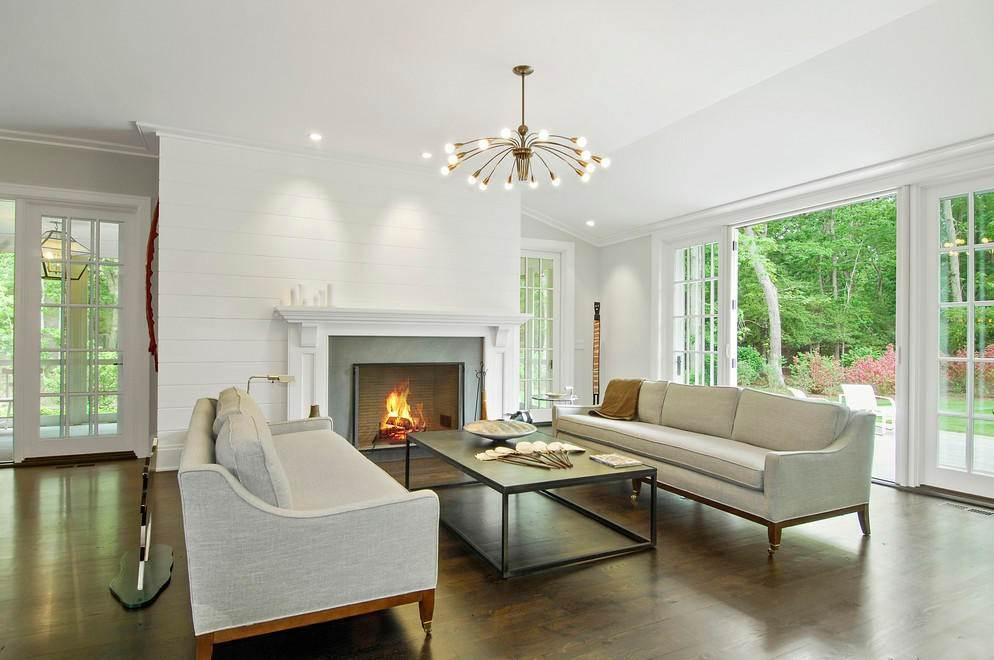 2. Single Family Home at Absolutely Stunning 169 Skimhampton Road, Amagansett, NY 11937