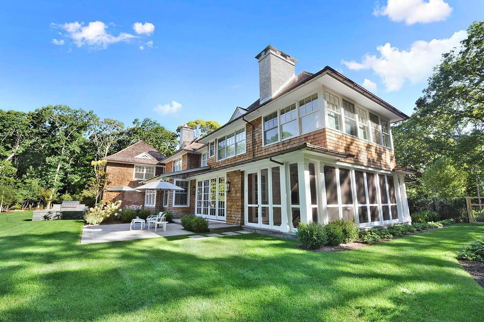 16. Single Family Home at Absolutely Stunning 169 Skimhampton Road, Amagansett, NY 11937
