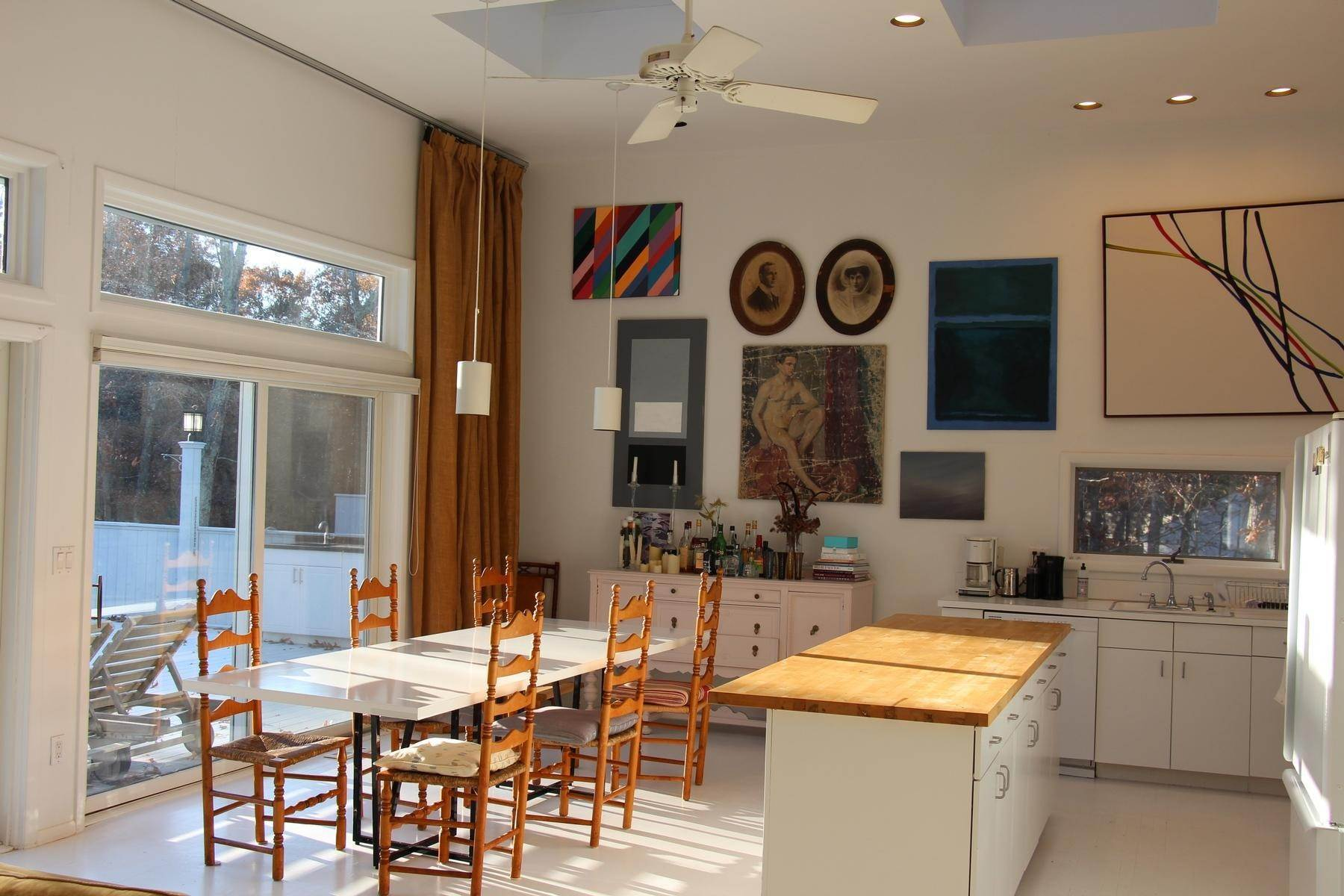 4. Single Family Home at The Perfect Rental East Hampton, NY 11937