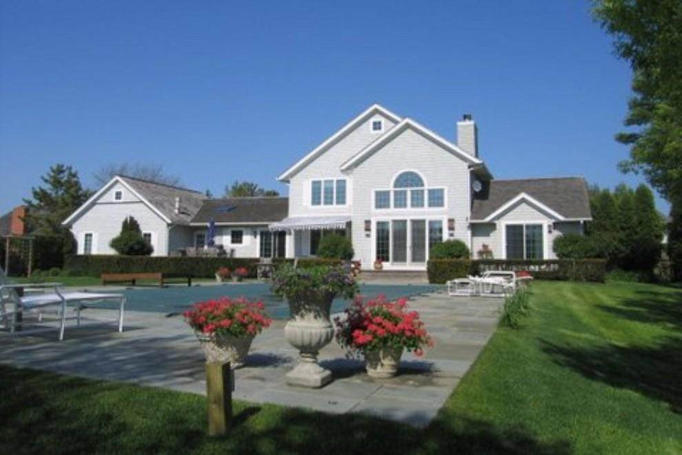 Single Family Home at Bridgehampton South Of The Highway Water Mill, NY 11932