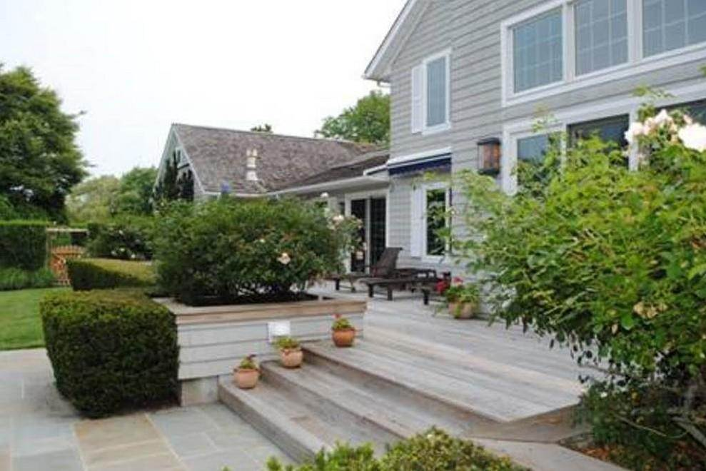 13. Single Family Home at Bridgehampton South Of The Highway Water Mill, NY 11932