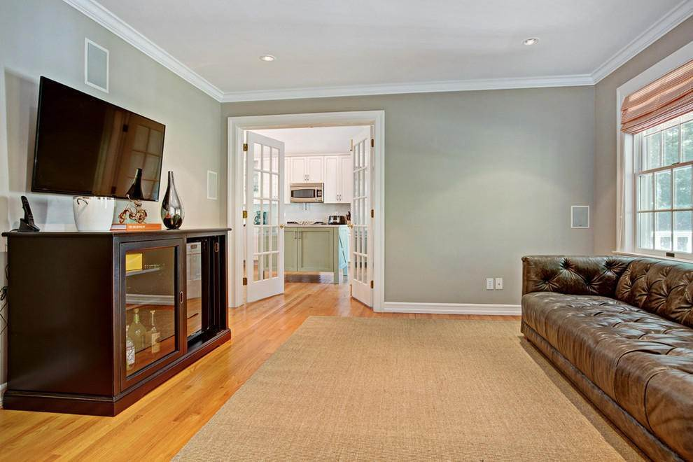 4. Single Family Home at East Hampton Getaway East Hampton, NY 11937