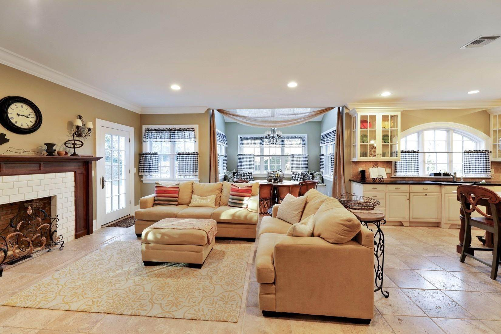 5. Single Family Home at Quogue Summer Rental South Of The Highway Quogue Village, NY 11959