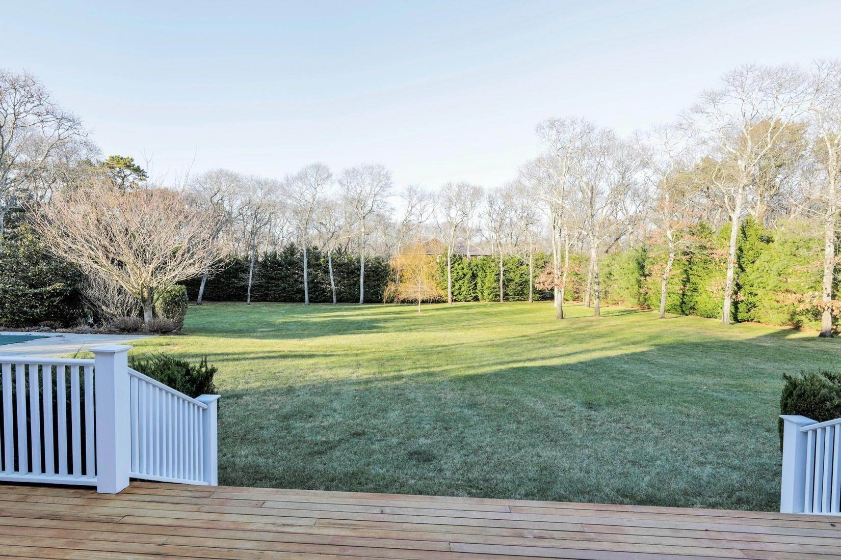 11. Single Family Home at Quogue Summer Rental South Of The Highway Quogue Village, NY 11959