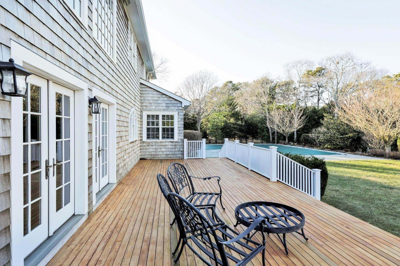 10. Single Family Home at Quogue Summer Rental South Of The Highway Quogue Village, NY 11959