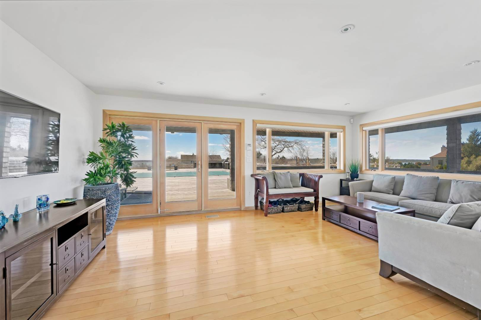 7. Single Family Home at High Atop A Hill With Major Waterviews Montauk, NY 11954