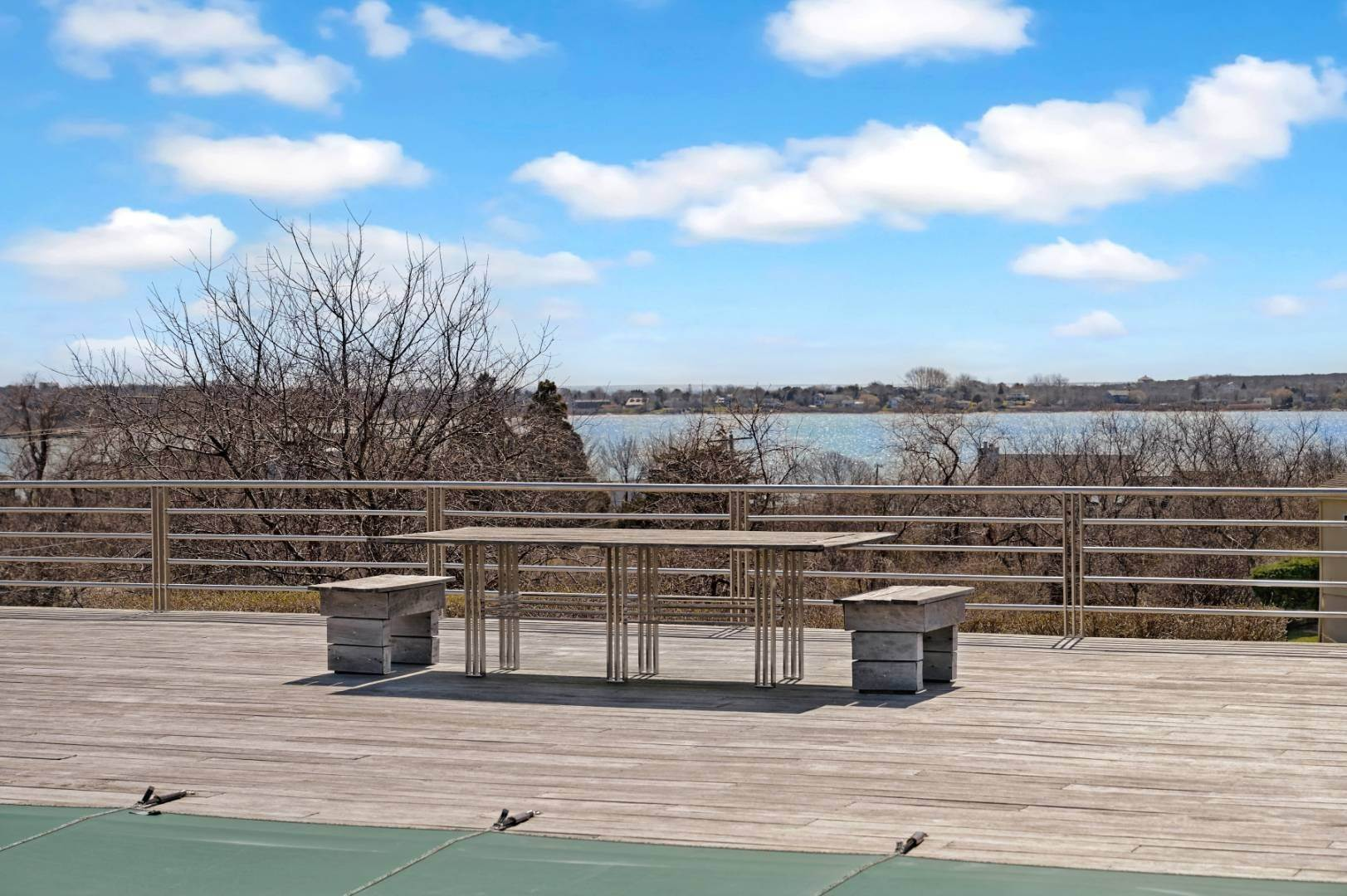 20. Single Family Home at High Atop A Hill With Major Waterviews Montauk, NY 11954