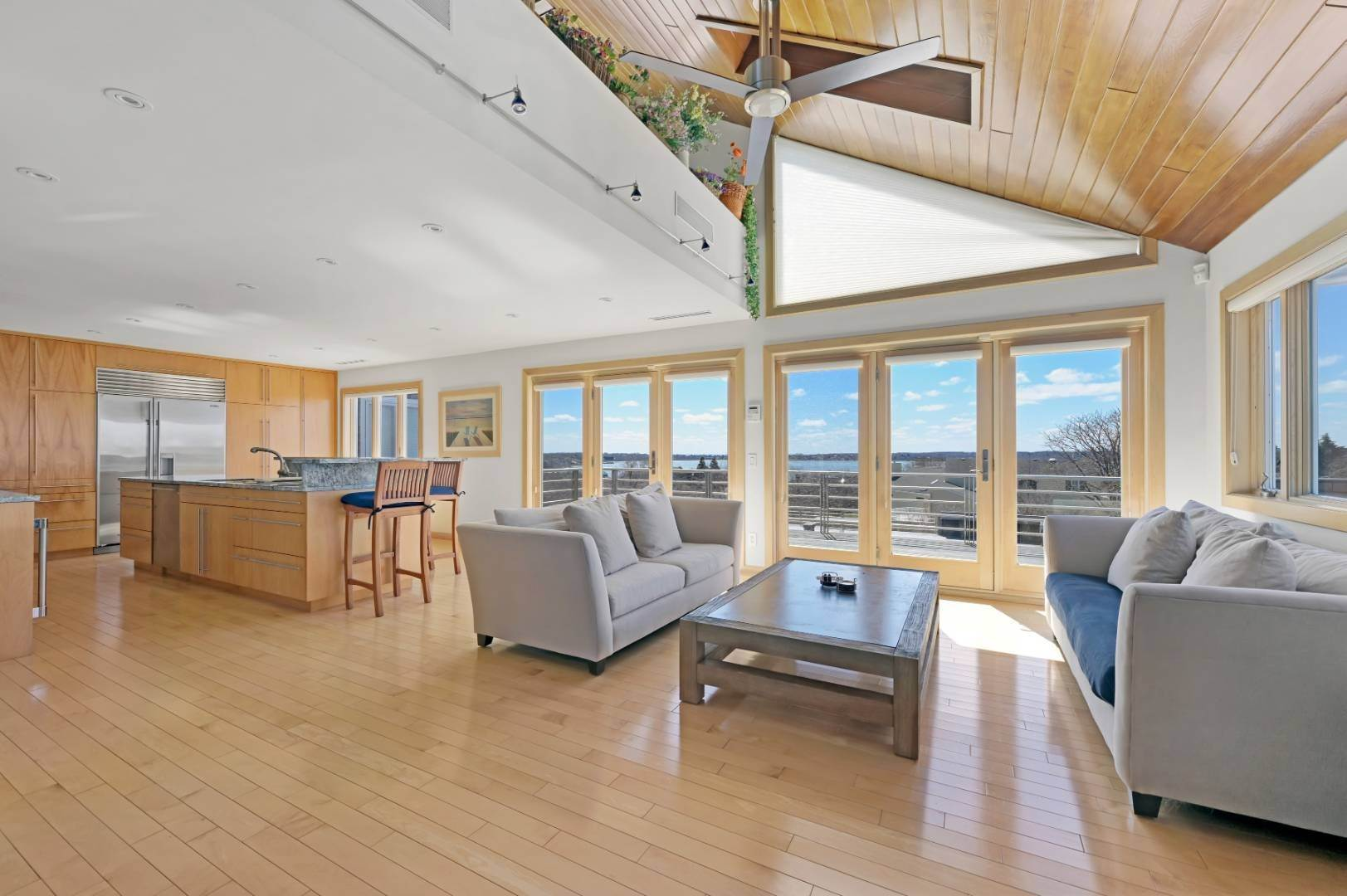 5. Single Family Home at High Atop A Hill With Major Waterviews Montauk, NY 11954
