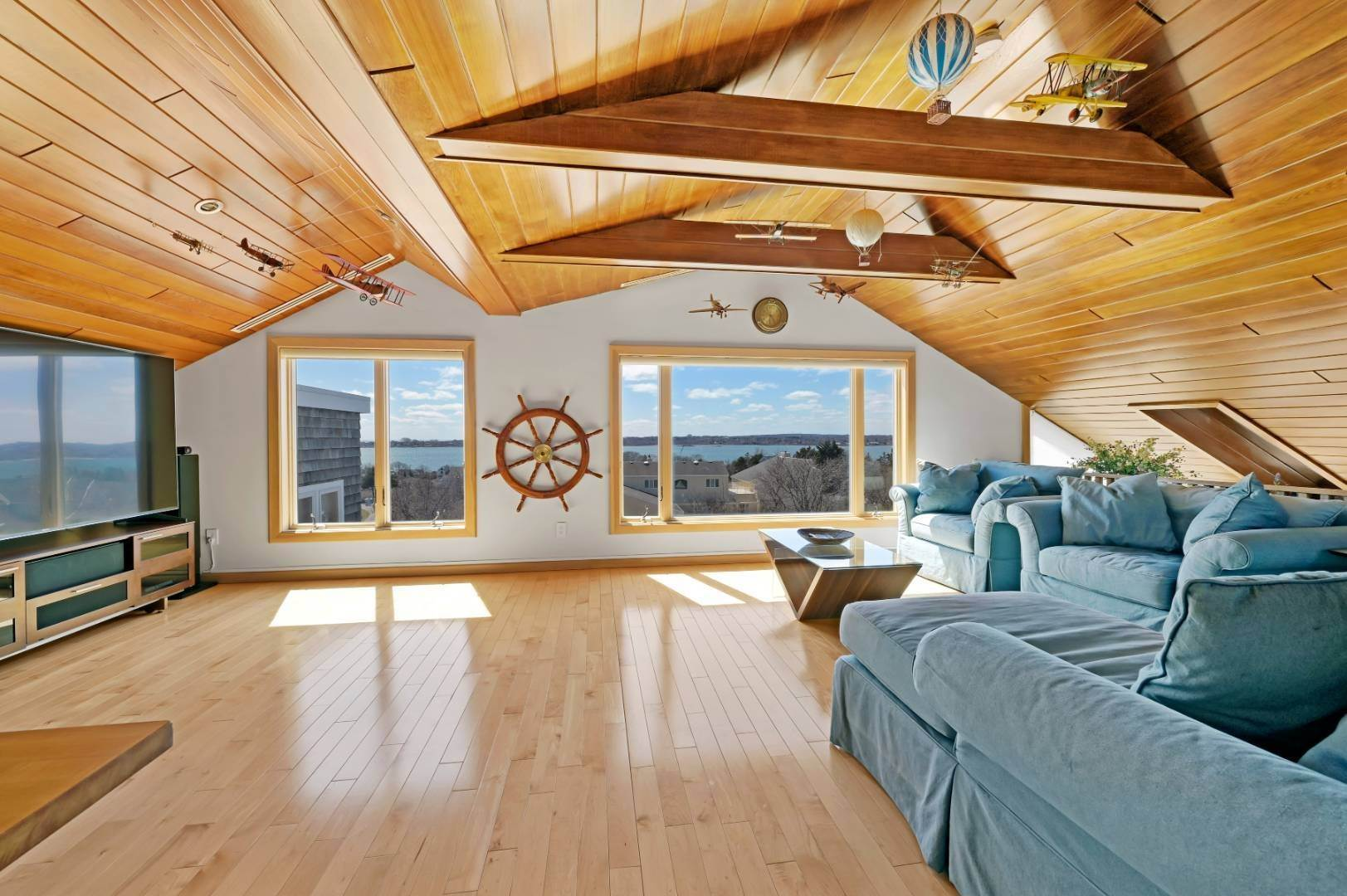 8. Single Family Home at High Atop A Hill With Major Waterviews Montauk, NY 11954