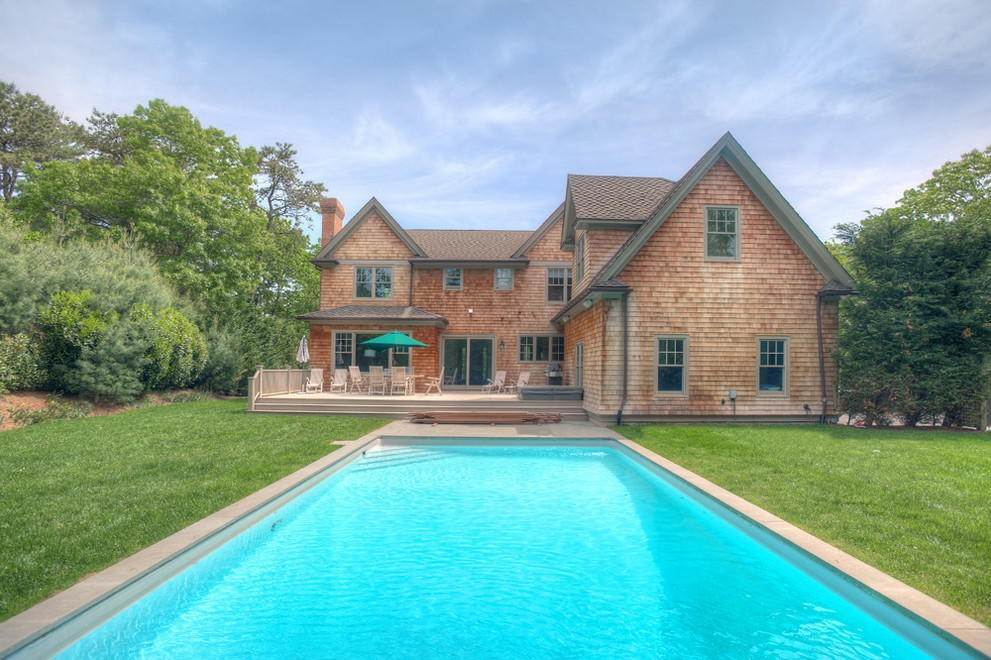 21. Single Family Home at East Hampton Retreat East Hampton, NY 11937