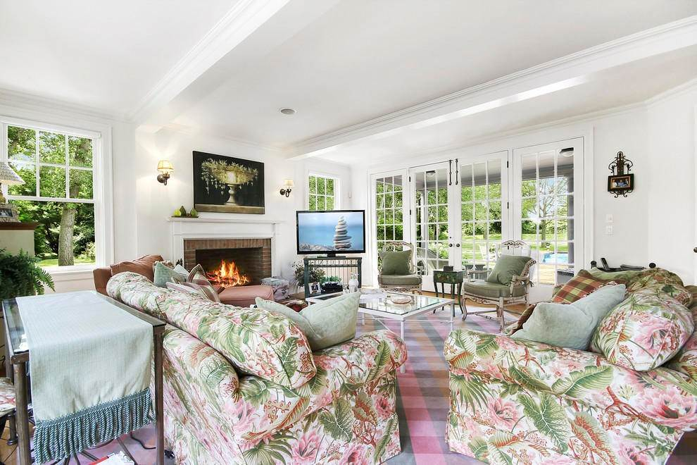 7. Single Family Home at The Ultimate Hamptons Home Bridgehampton, NY 11932