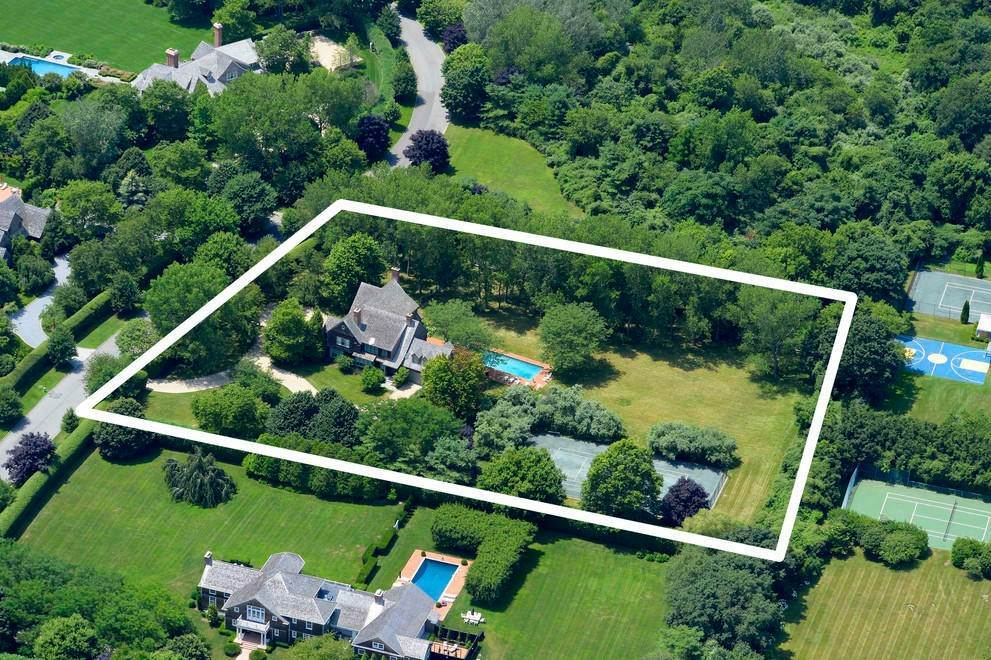 16. Single Family Home at The Ultimate Hamptons Home Bridgehampton, NY 11932