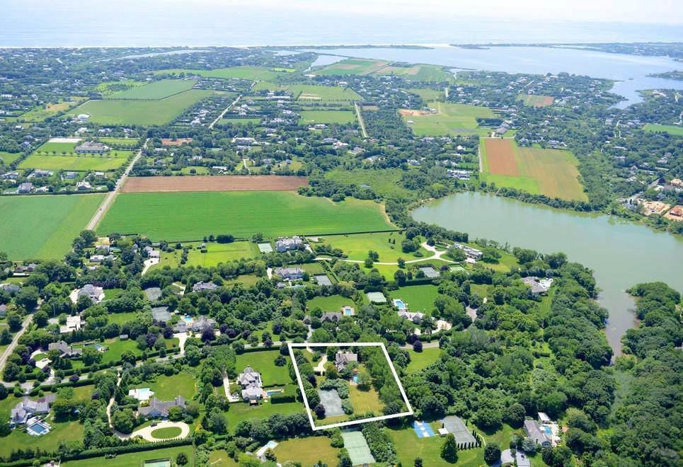 17. Single Family Home at The Ultimate Hamptons Home Bridgehampton, NY 11932