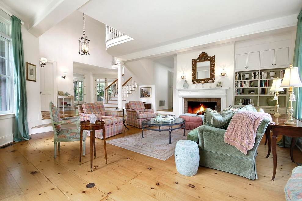 6. Single Family Home at The Ultimate Hamptons Home Bridgehampton, NY 11932