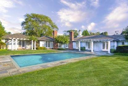 3. Single Family Home at East Hampton Beauty East Hampton, NY 11937