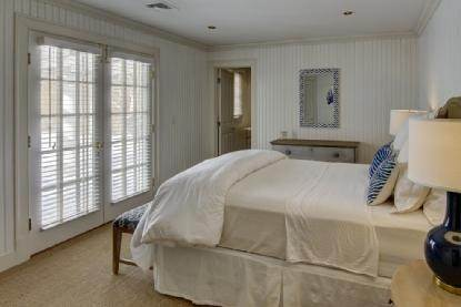 12. Single Family Home at East Hampton Beauty East Hampton, NY 11937