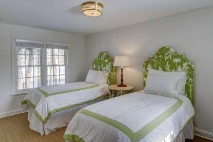 14. Single Family Home at East Hampton Beauty East Hampton, NY 11937