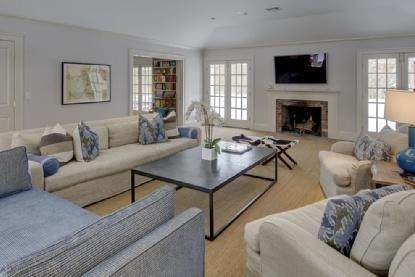6. Single Family Home at East Hampton Beauty East Hampton, NY 11937