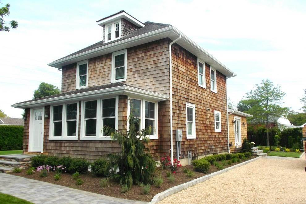 Single Family Home at Southampton Village Charmer Southampton, NY 11968