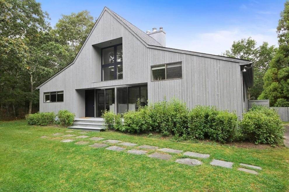 10. Single Family Home at Summer Spectacular! East Hampton, NY 11937
