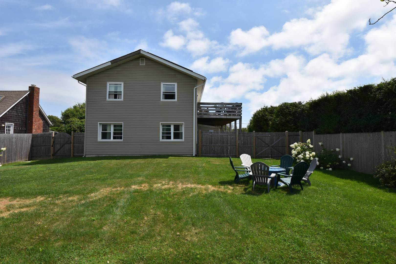 21. Single Family Home at Ditch Plains Lovers Montauk, NY 11954