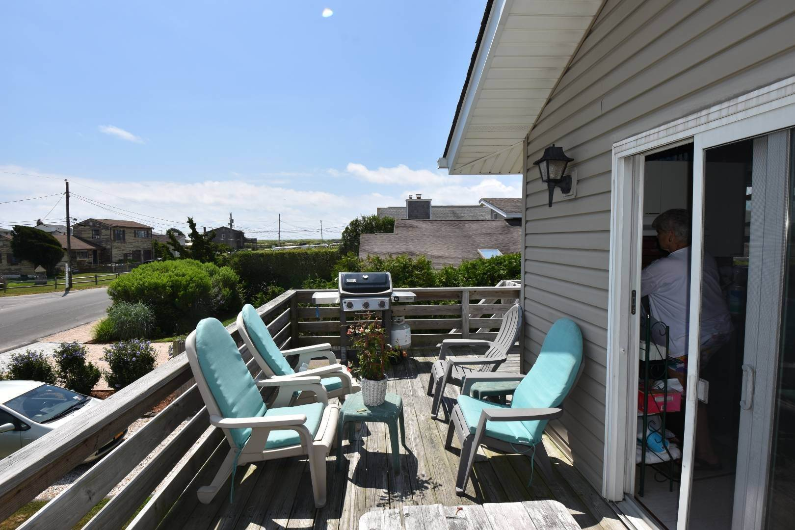 3. Single Family Home at Ditch Plains Lovers Montauk, NY 11954