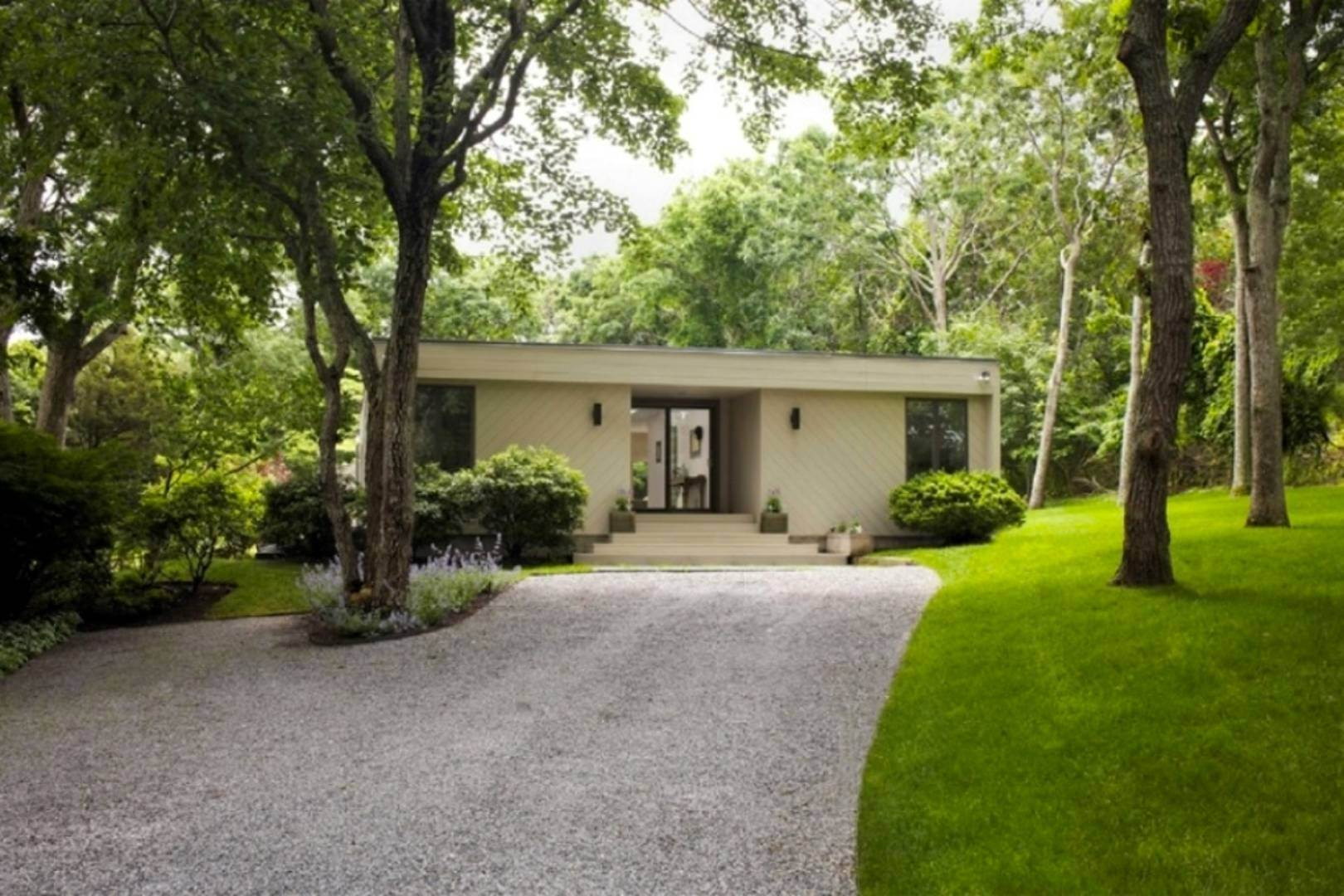 1. Single Family Home at Mid Century Modern In Lion Head Beach Community East Hampton, NY 11937