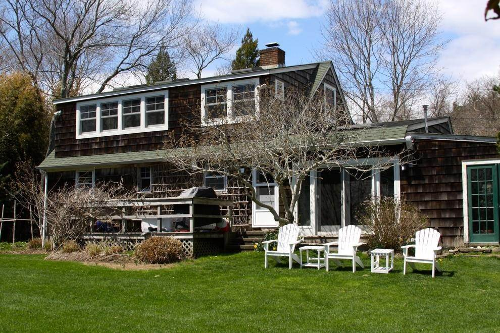 12. Single Family Home at Charming Country Home With Pool NY 11964