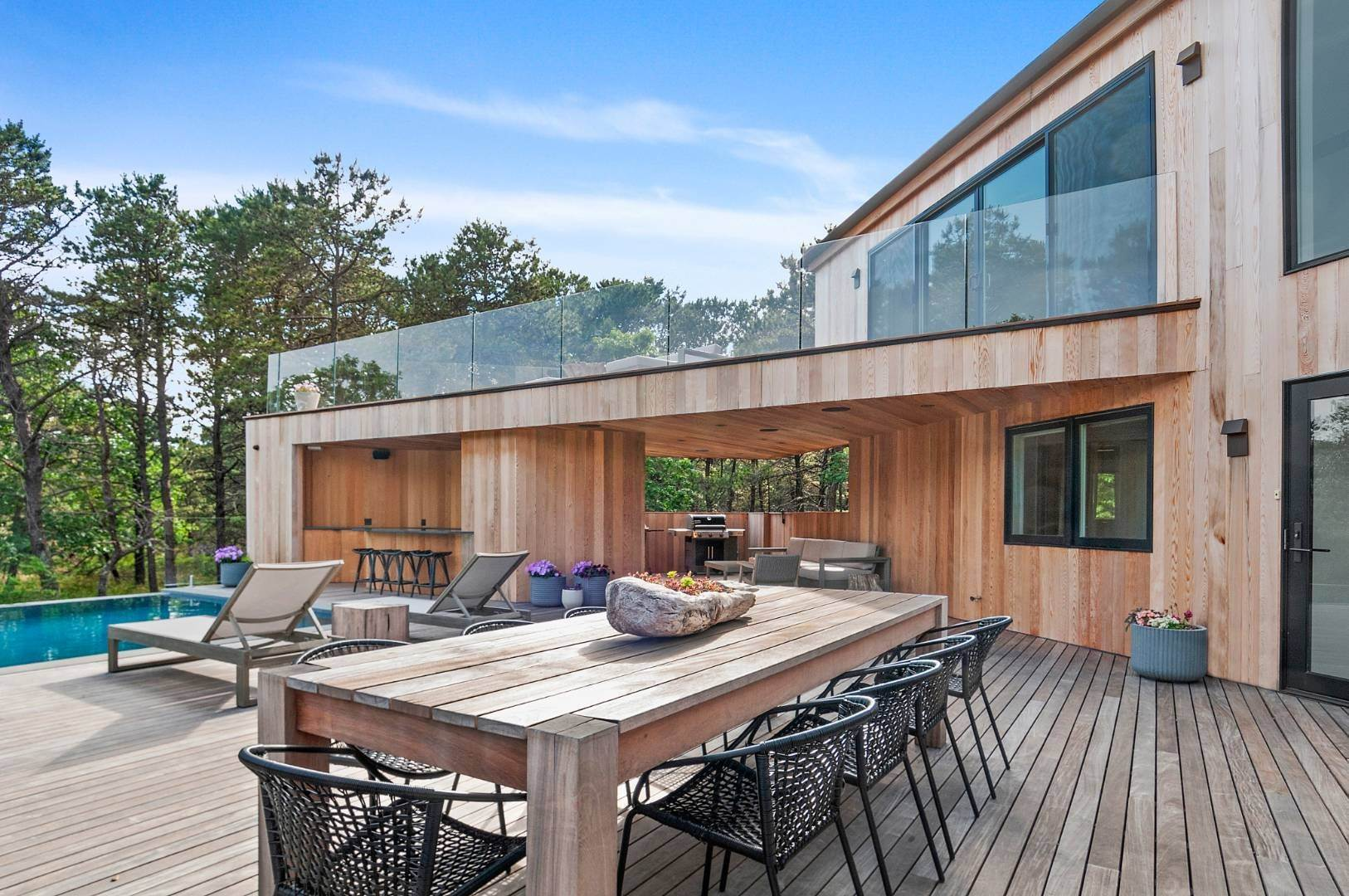 27. Single Family Home for Sale at Amagansett Perfection 14 Shipwreck Drive, Napeague, NY 11930