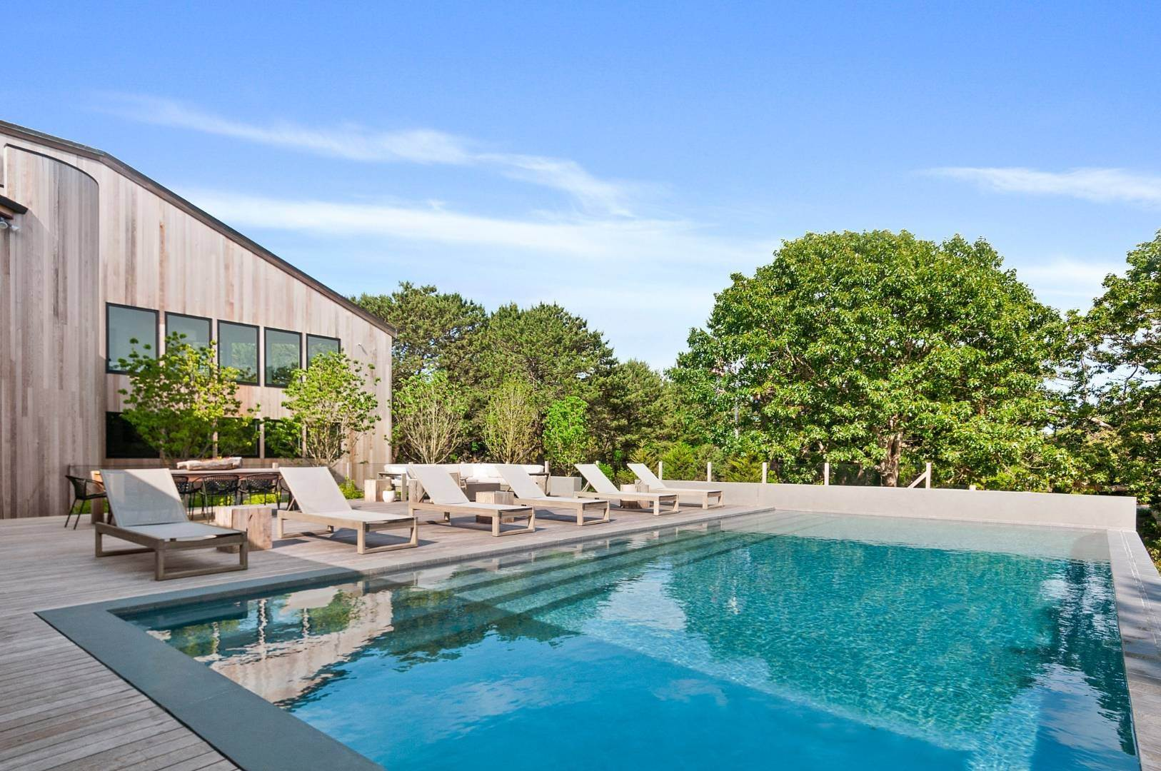 23. Single Family Home for Sale at Amagansett Perfection 14 Shipwreck Drive, Napeague, NY 11930