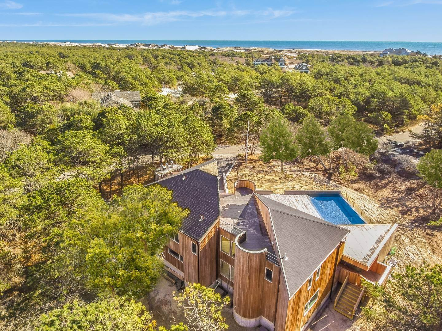 28. Single Family Home for Sale at Amagansett Perfection 14 Shipwreck Drive, Napeague, NY 11930