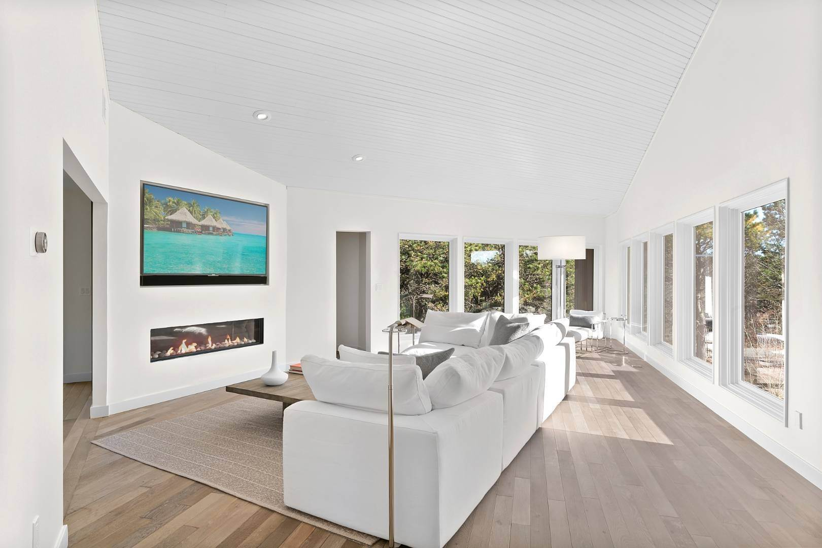 8. Single Family Home for Sale at Amagansett Perfection 14 Shipwreck Drive, Napeague, NY 11930