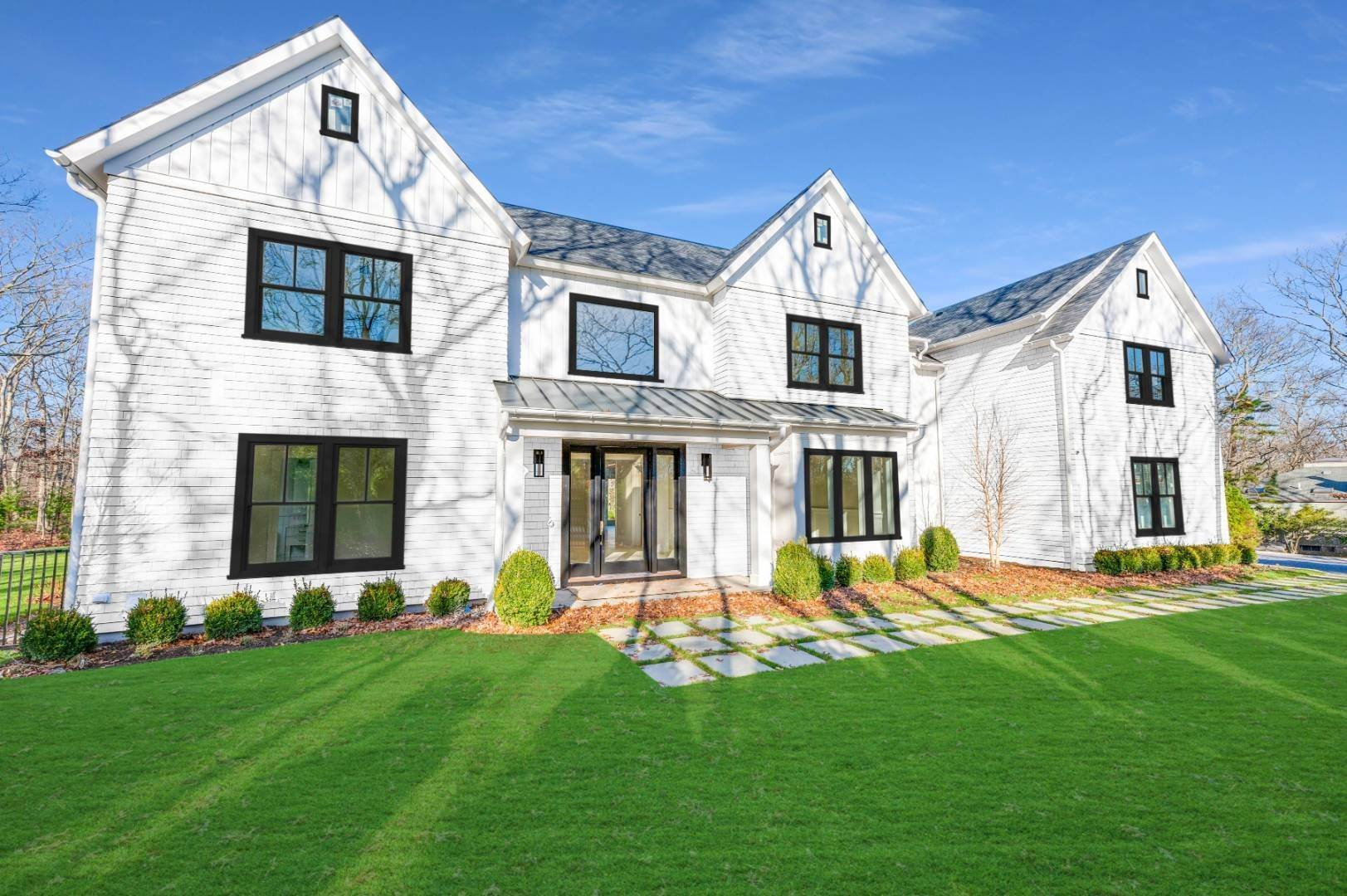 Single Family Home for Sale at East Hampton, NY 11937