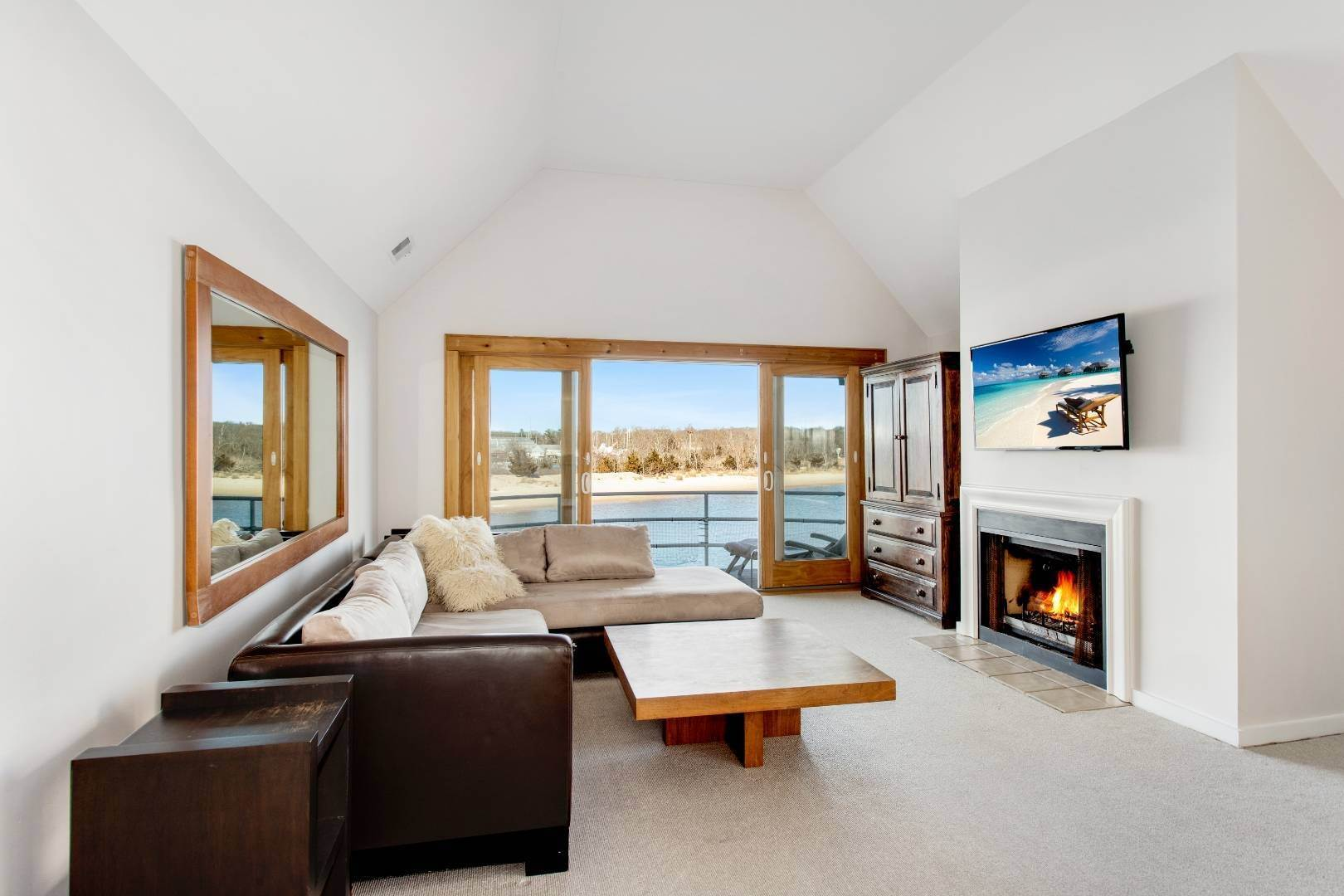 4. Condominiums for Sale at Vacation Vibes 41 Stirling Cove, Greenport Village, NY 11944