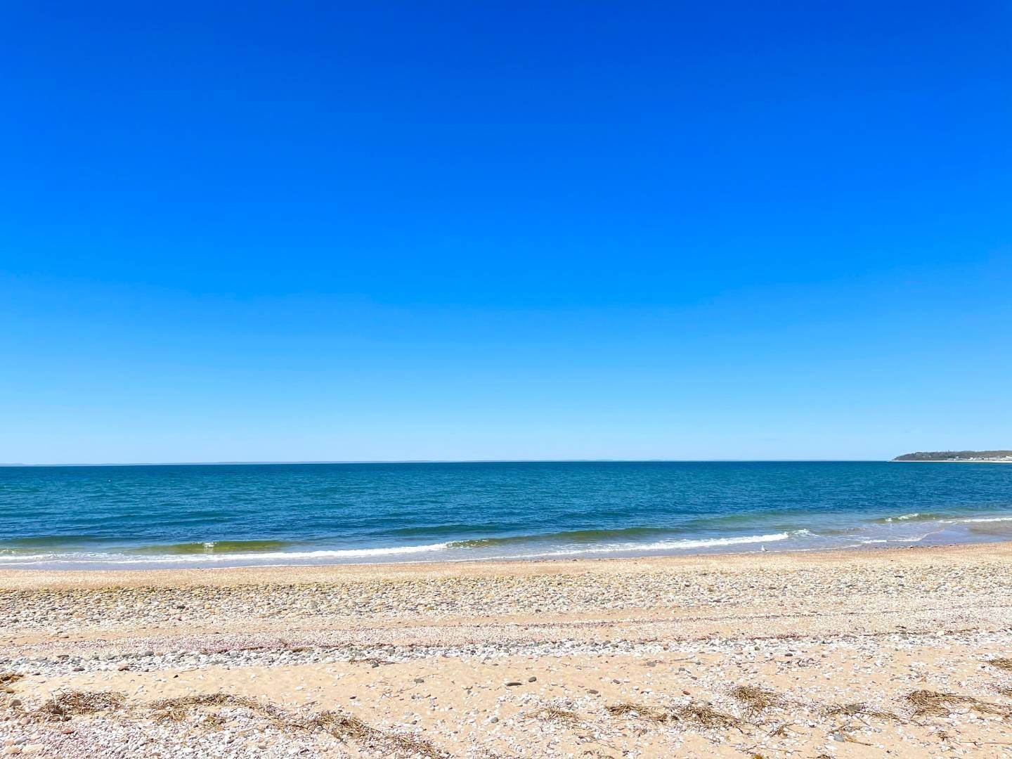 Single Family Home for Sale at Turnkey Beach Cottage 415 Sound Avenue, Peconic, NY 11952