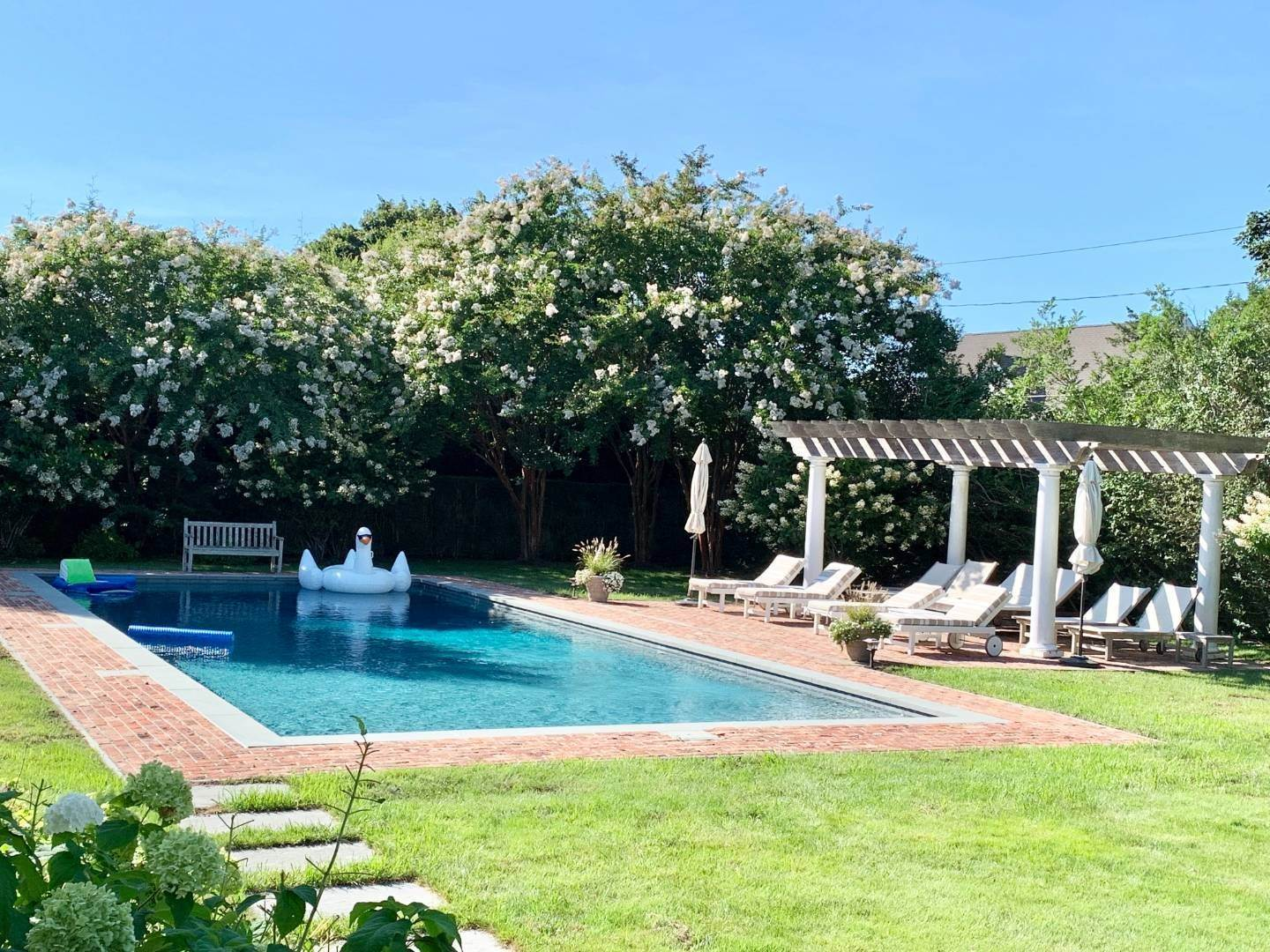 29. Single Family Home at Immaculate Southampton Village Home With Large Pool Southampton, NY 11968