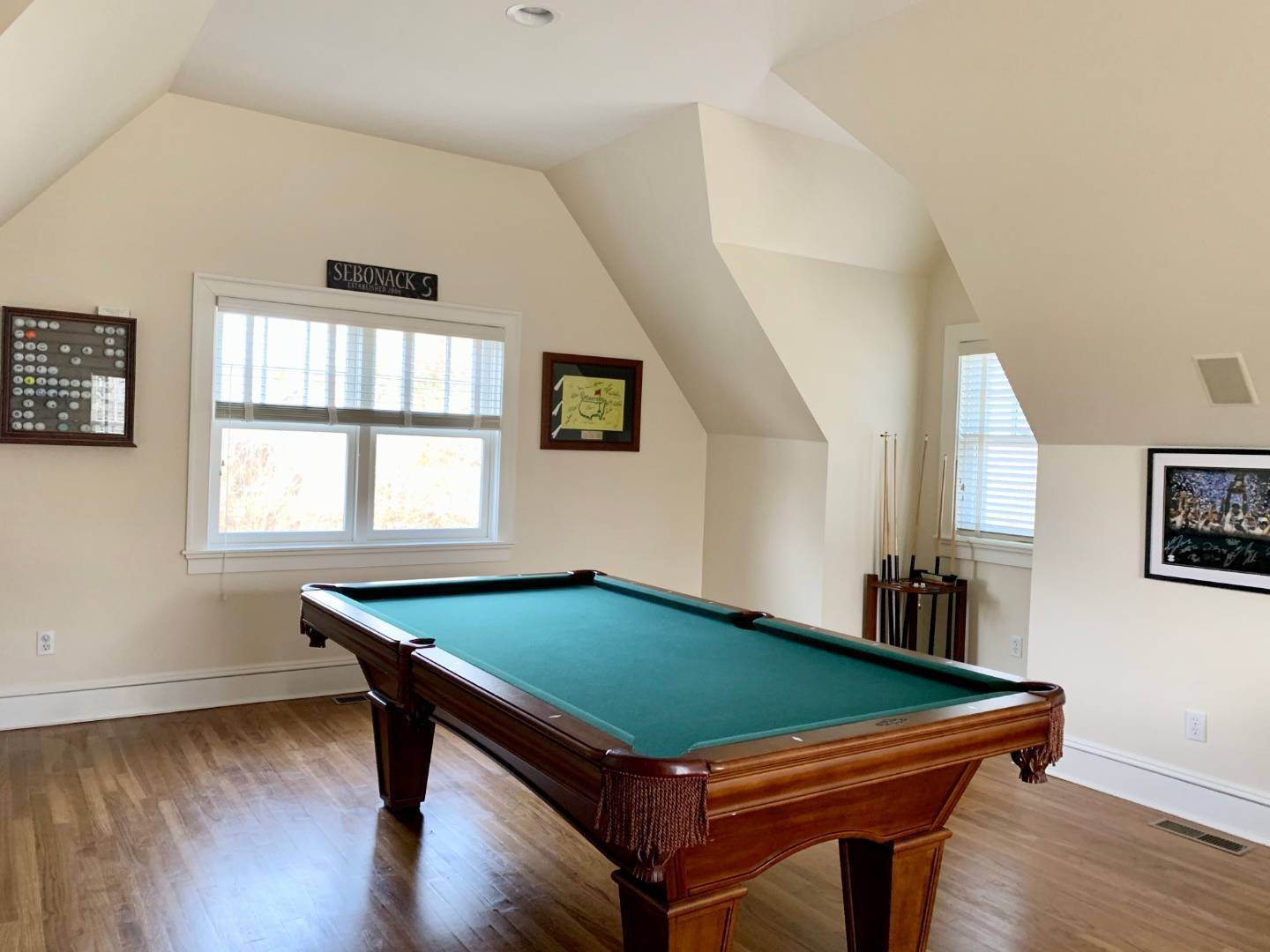 9. Single Family Home at Immaculate Southampton Village Home With Large Pool Southampton, NY 11968