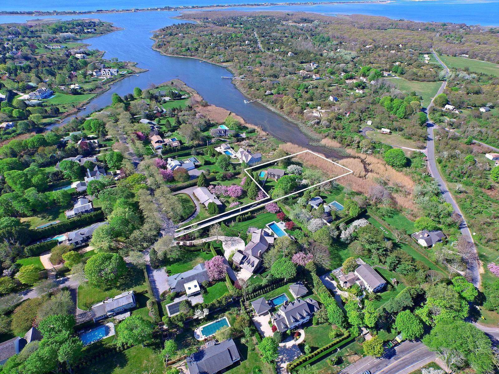 Single Family Home at Charming Village Traditional Southampton, NY 11968