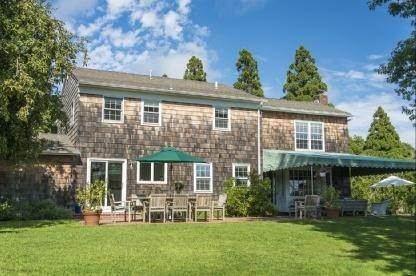15. Single Family Home at Charming Village Traditional Southampton, NY 11968