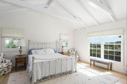 9. Single Family Home at Charming Village Traditional Southampton, NY 11968