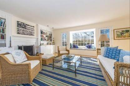 4. Single Family Home at Charming Village Traditional Southampton, NY 11968