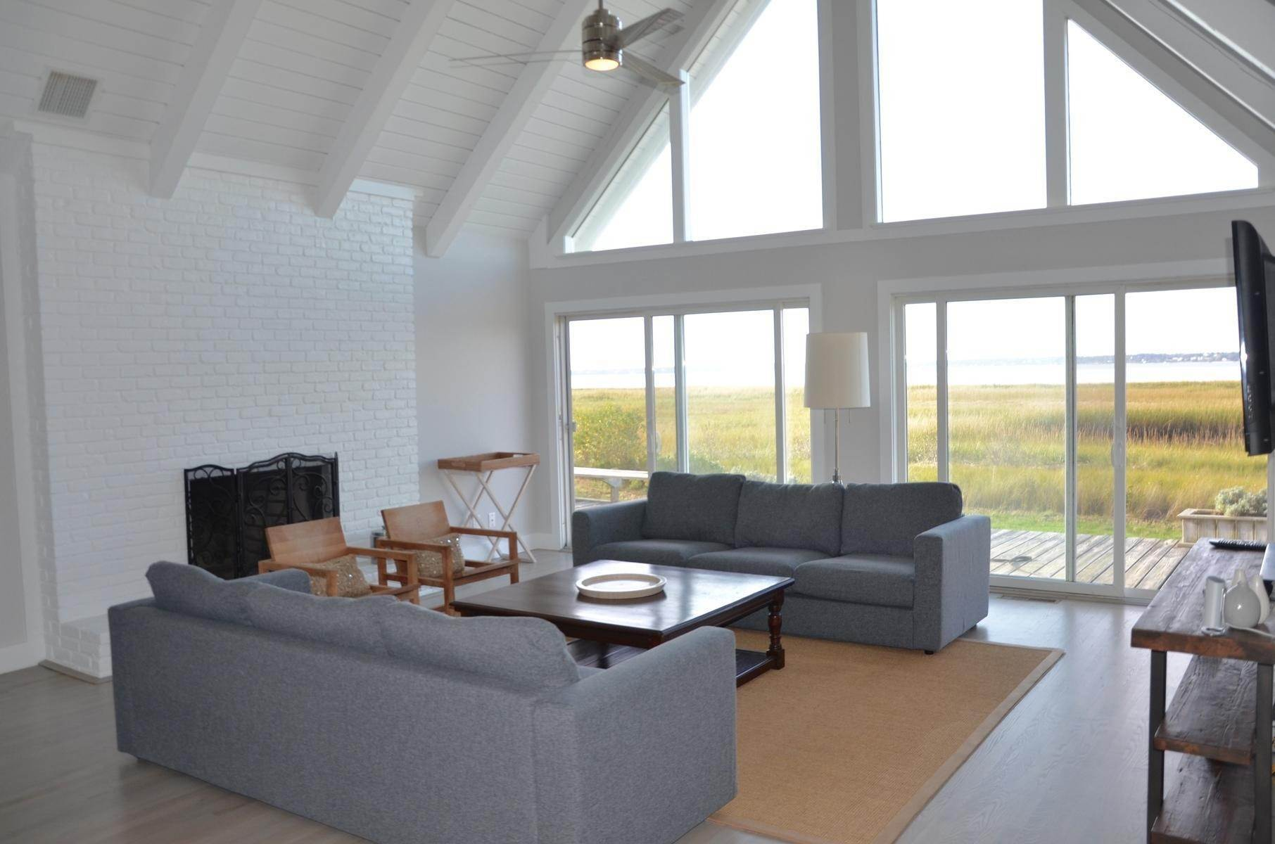 5. Single Family Home at Cottage Close To The Ocean Southampton, NY 11968