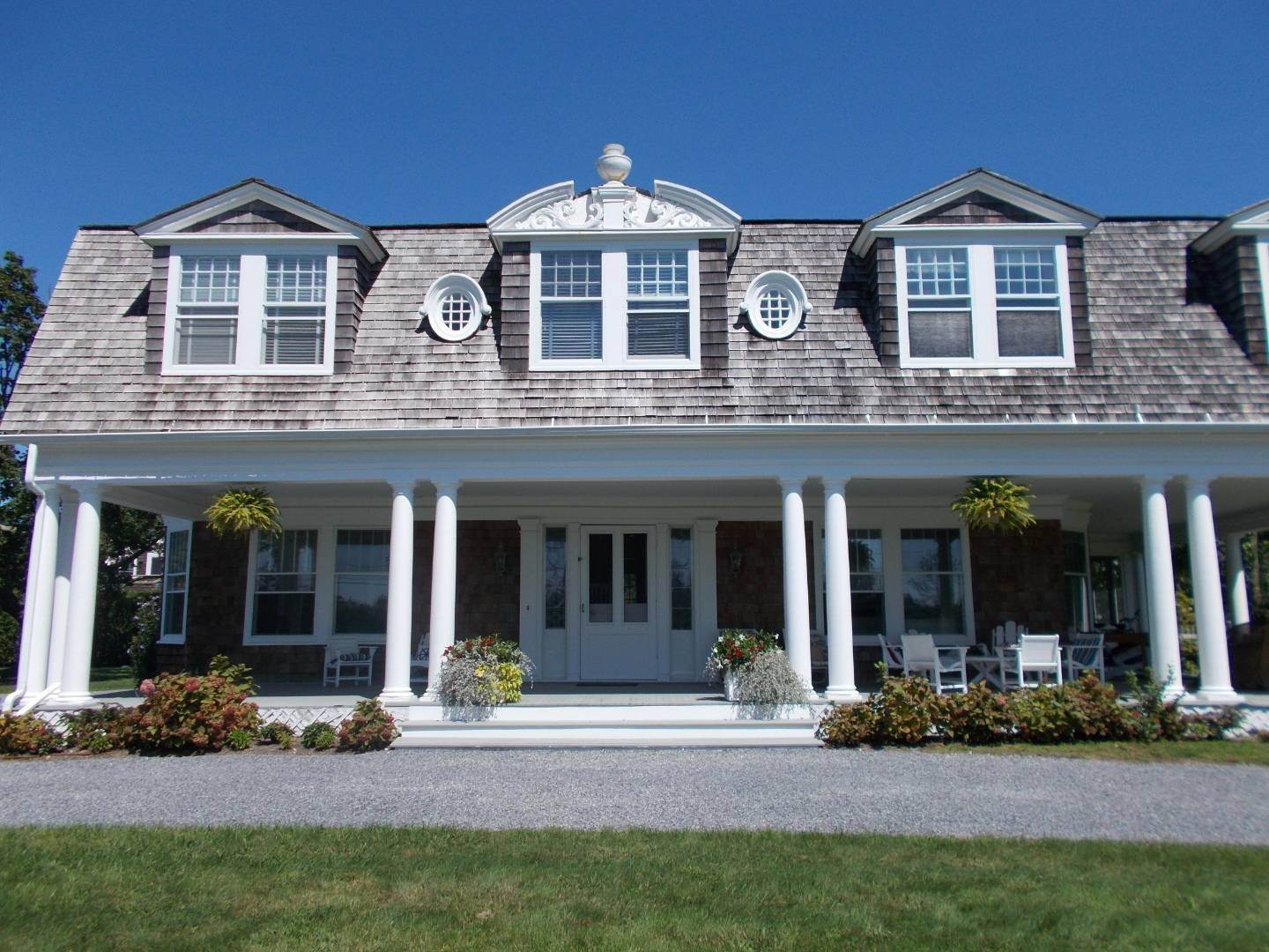 35. Single Family Home at Old World Elegance Updated In East Quogue East Quogue, NY 11942