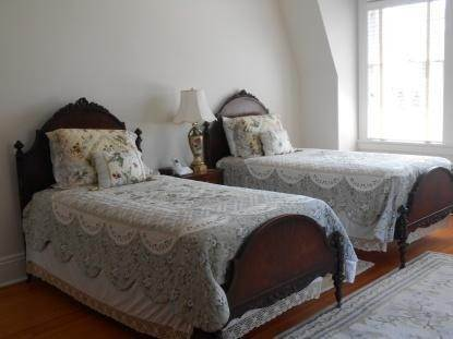 21. Single Family Home at Old World Elegance Updated In East Quogue East Quogue, NY 11942