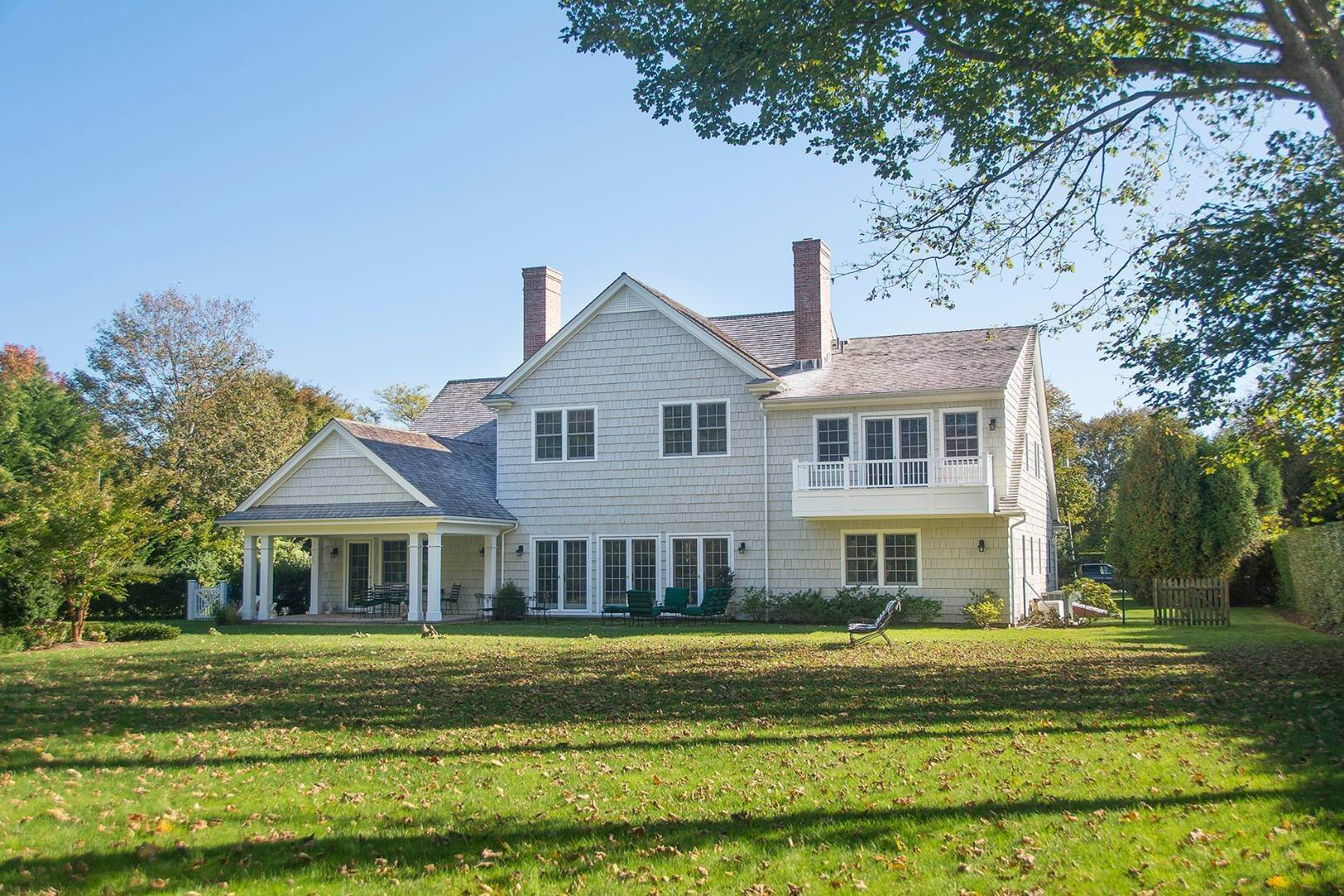 27. Single Family Home at Great Southampton Village Estate Two Blocks To Ocean Southampton, NY 11968